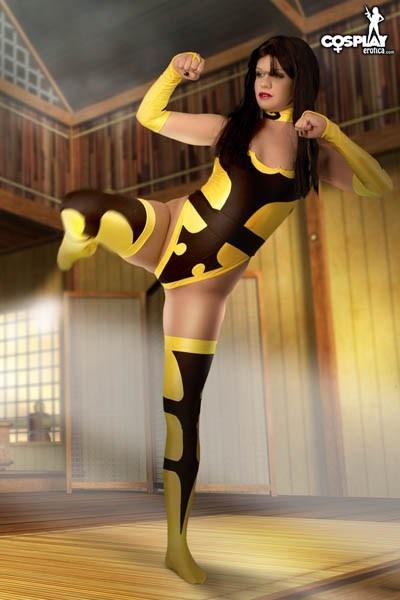 mortal-kombat-tanya-cosplay